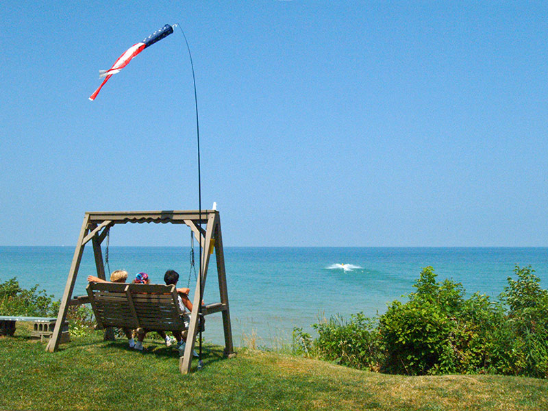 places to camp near lake erie